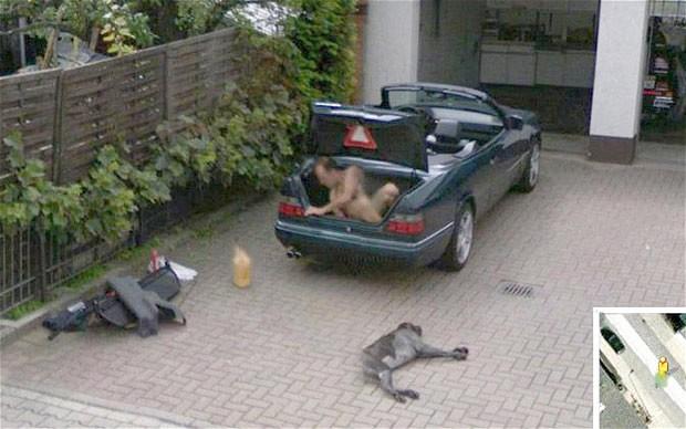 Google Street View caught a birth of a baby-google_1768356b.jpg
