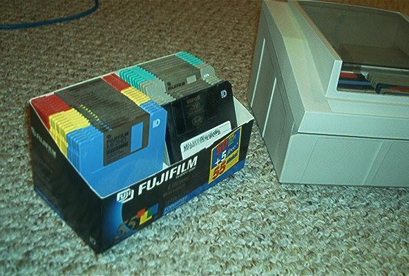 "Anybody need some 3.5"" floppies???-floppies.jpg"
