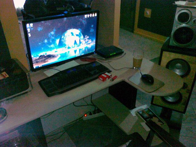 Show us your desk!-comp2.jpg