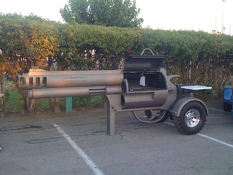 Show us your cats-gun-bbq-grill.jpg