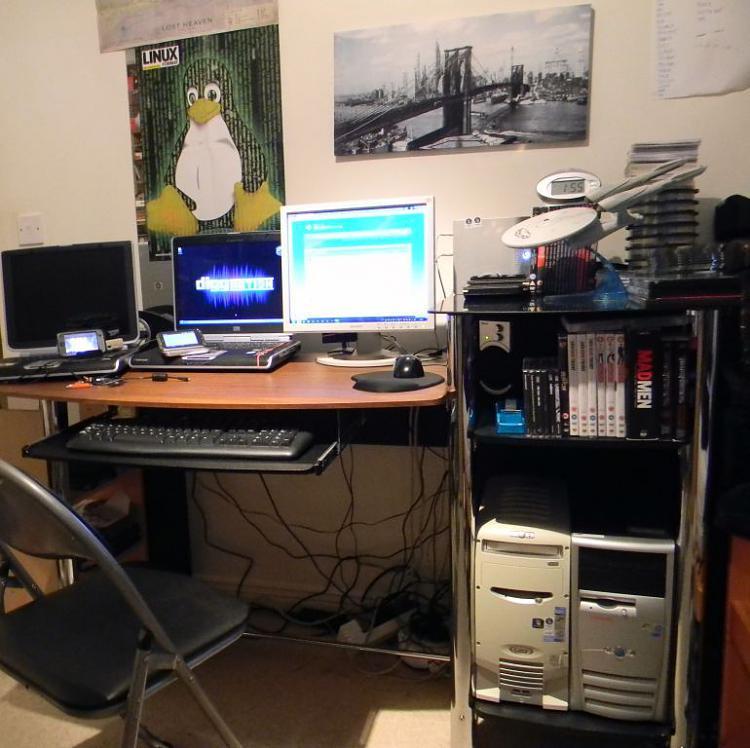 Show us your Office/Computer room-my-desk.jpg