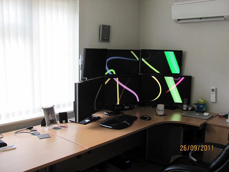 Show us your desk!-img_7455.jpg