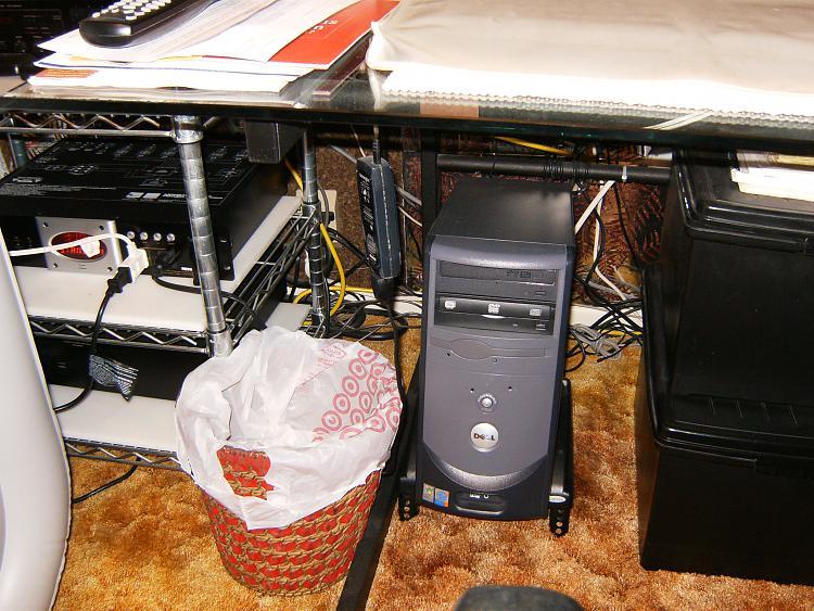 Show us your desk!-002.jpg