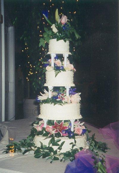 Happy Birthday to Jonathan King and Jaidyn M-big-cake-l.jpg