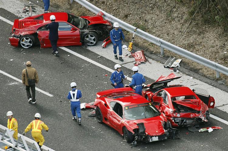 Gone in less than 60 seconds-pb-111204-crash4-cannon_photoblog900.jpg