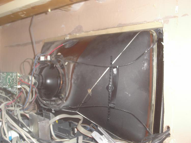 wall mounted tv-tv-008.jpg