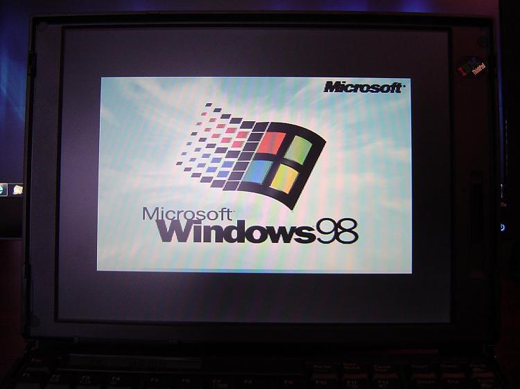 Make Windows 98 Boot Screen Full Screen?-dsc00576.jpg