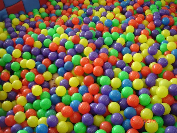 Where's Russel-russballpool1.png