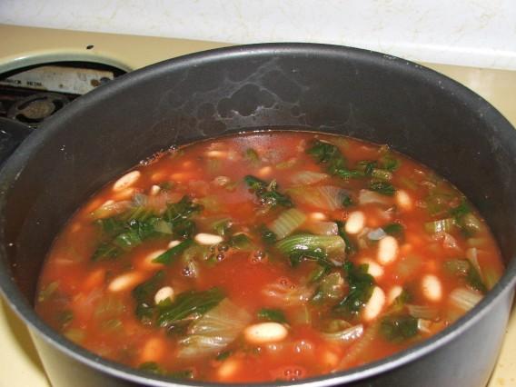 benefits of olive oil-escarole_beans.jpg