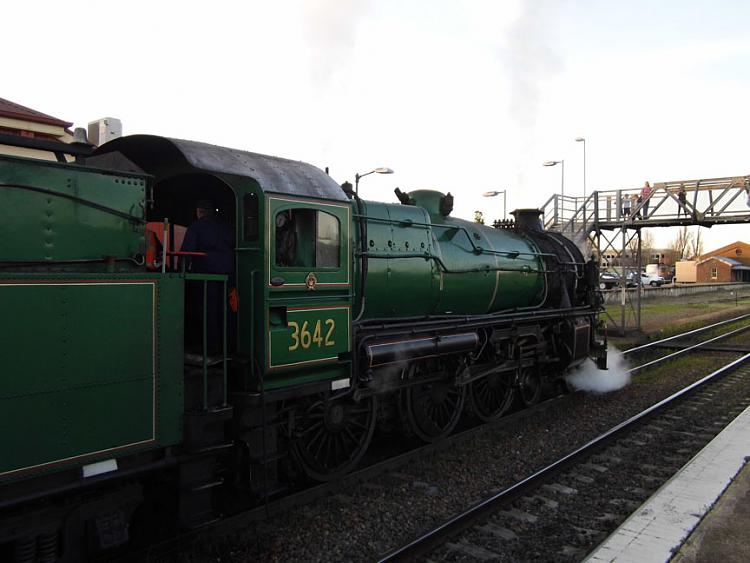 Who likes steam locomitives??-sany0078.jpg