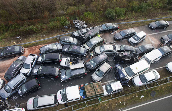 Keep calm and let the car drive itself-52-car-pile-up.jpg