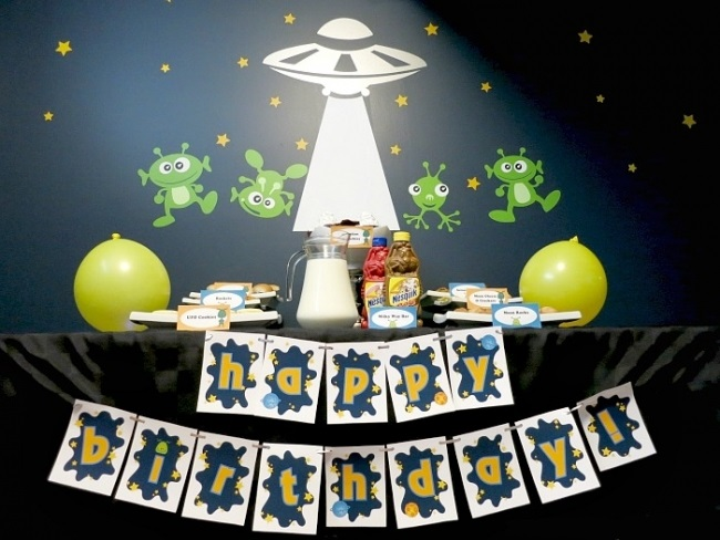 Seven's Seven! Happy birthday SevenForums.com.-alien-birthday-party.jpg