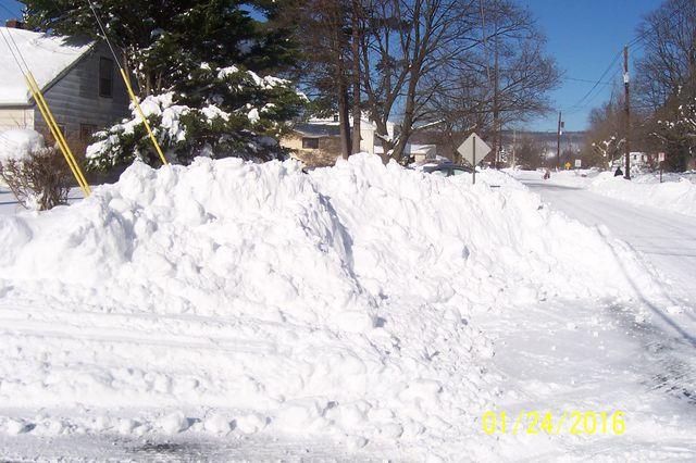 Snowmageddon: Jan 23rd 2016, PA - DE - VA - MD - NJ - NY - MA - CT- RI-shovelin-out-1_24_16-blizzard-2016_04.jpeg