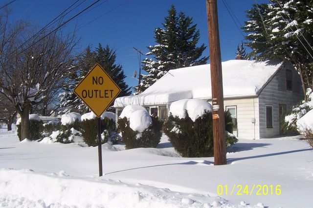 Snowmageddon: Jan 23rd 2016, PA - DE - VA - MD - NJ - NY - MA - CT- RI-shovelin-out-1_24_16-blizzard-2016_07.jpeg