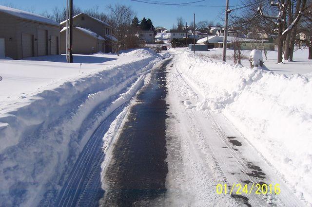 Snowmageddon: Jan 23rd 2016, PA - DE - VA - MD - NJ - NY - MA - CT- RI-shovelin-out-1_24_16-blizzard-2016_08.jpeg