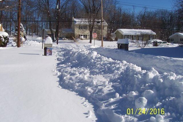 Snowmageddon: Jan 23rd 2016, PA - DE - VA - MD - NJ - NY - MA - CT- RI-shovelin-out-1_24_16-blizzard-2016_09.jpeg