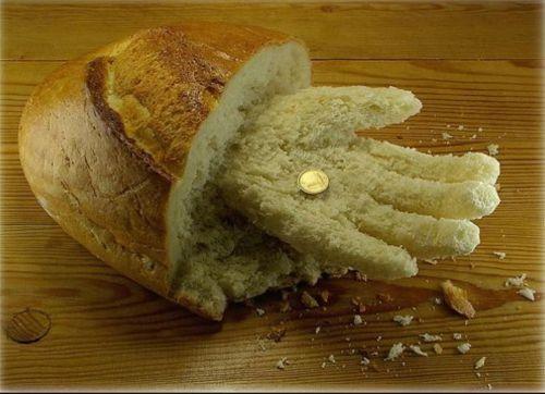 Pics -Feast ur eyes!-bread-hand.jpg