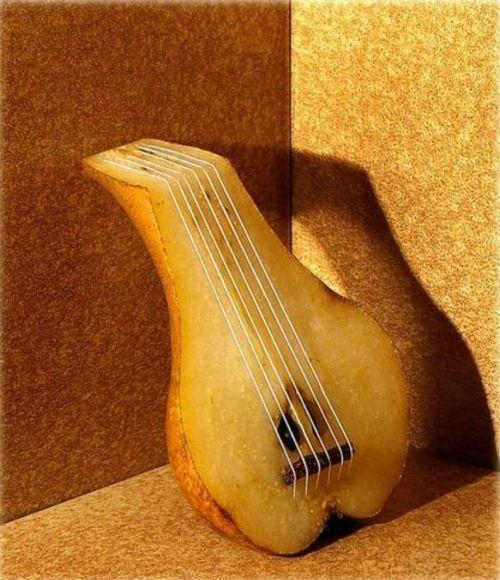 Pics -Feast ur eyes!-pear-guitar.jpg