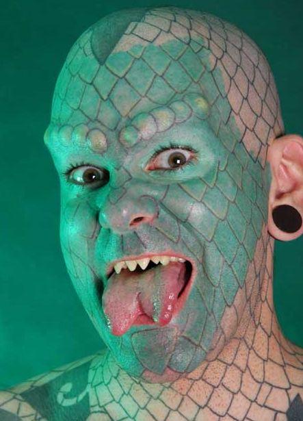 Amazing tattoos-lizard.jpg