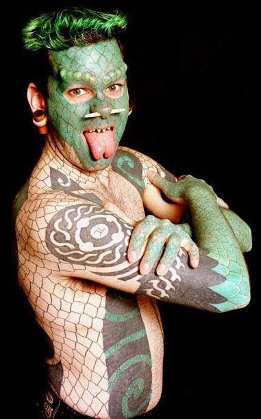 Amazing tattoos-lizard2.jpg