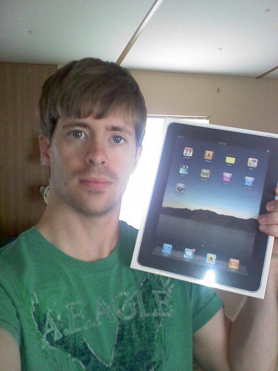 well....i got a ipad :P-0420101428.jpg