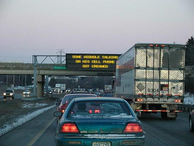 Crazy Signs-trafficsign.jpg