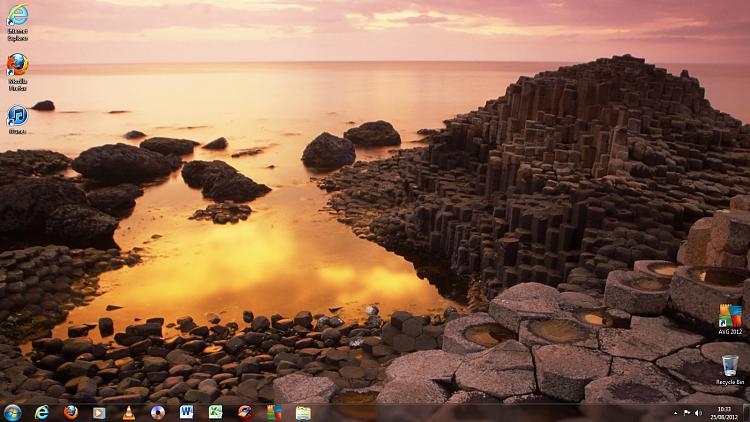 Show us your Desktop-lisas-comp.jpg