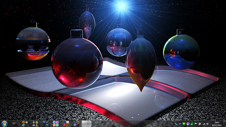 Show us your Desktop-xmas-top.png