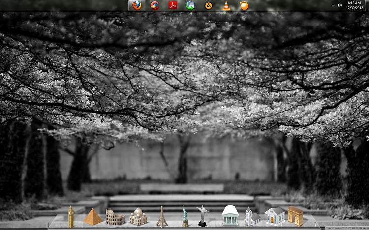 Show us your Desktop-desky.jpg