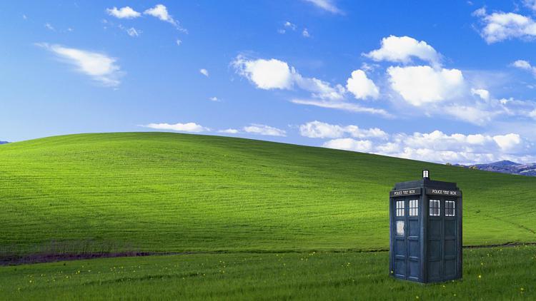 Show us your Desktop 2-bliss-hill-tardis-wallpaper.jpg