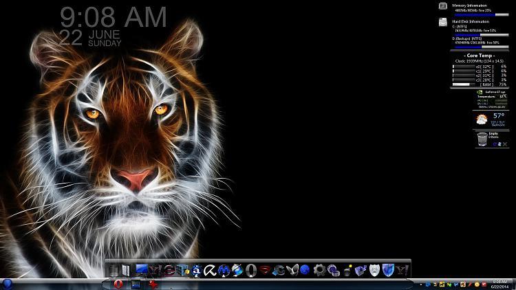 Show us your Desktop 2-kitty.jpg