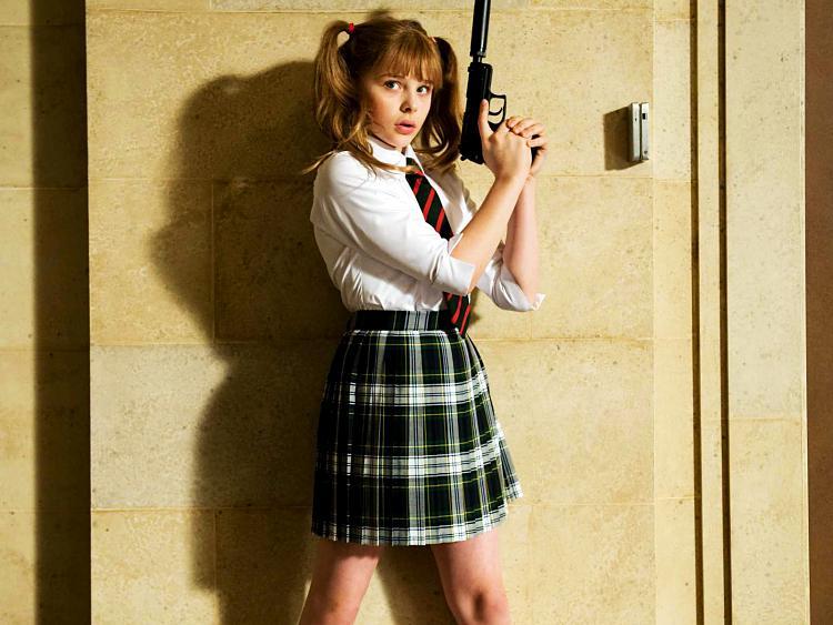 Is this wallpaper girley?-chloe_moretz_as_hit_girl_in_kick_ass-normal.jpg