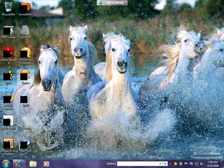 Black boxes over Desktop icons....-desktop.jpg