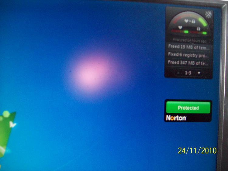 Red square on my desktop-100_0307.jpg