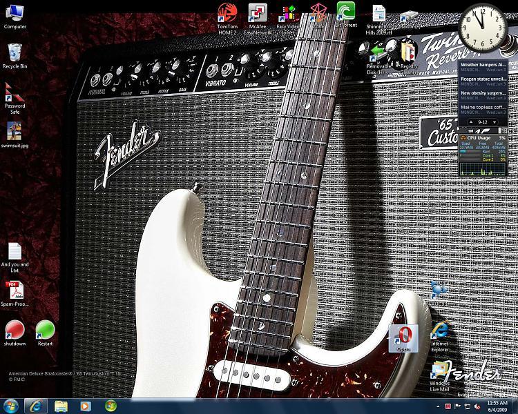 Desktop Icons Moving-desktop-1.jpg