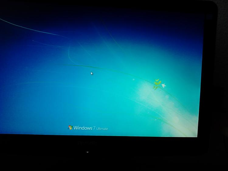 Windows 7 stuck on welcome screen-dsc_0017.jpg