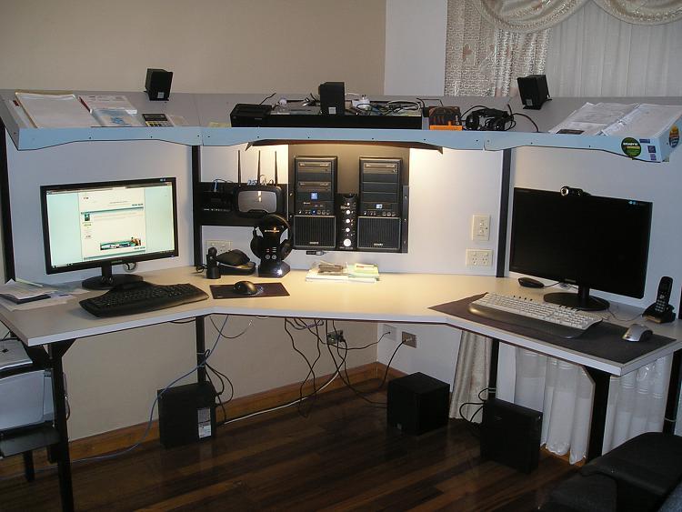 Building a computer desk- Ideas?-p1010051.jpg