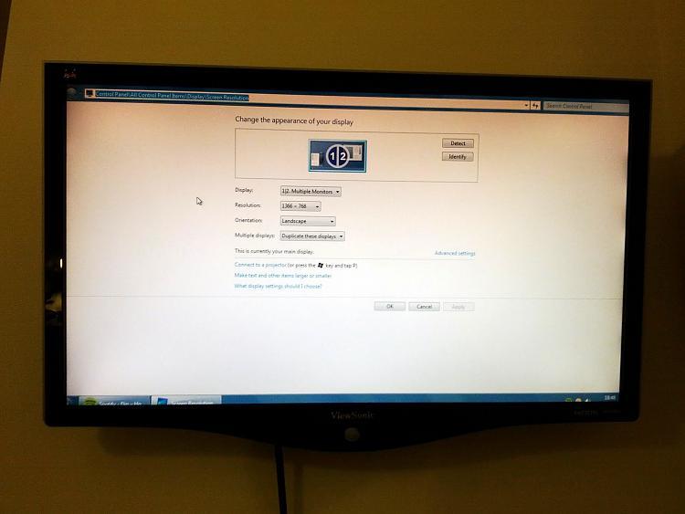 Laptops external monitor has the edges cut off-img_20111223_184803.jpg