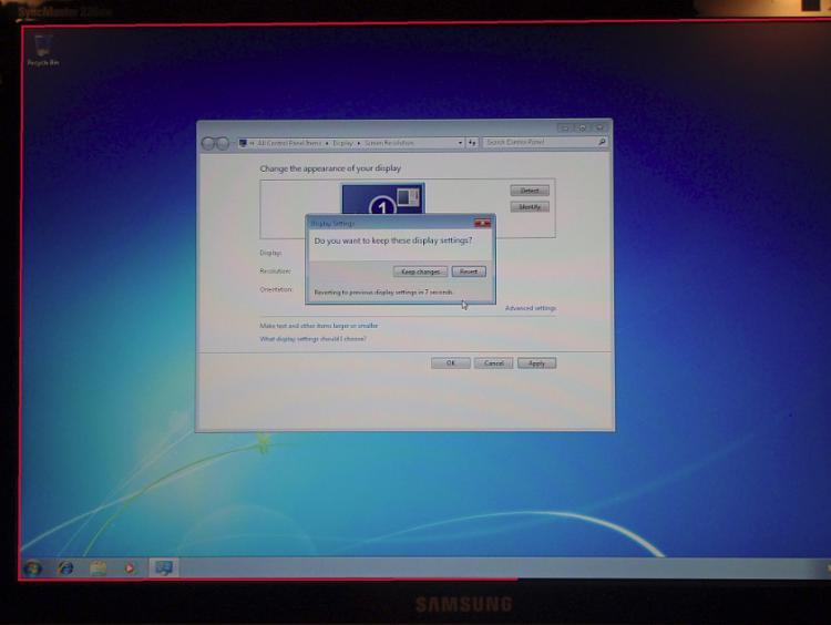 Windows 7 Display Problem - Black Borders-1.jpg