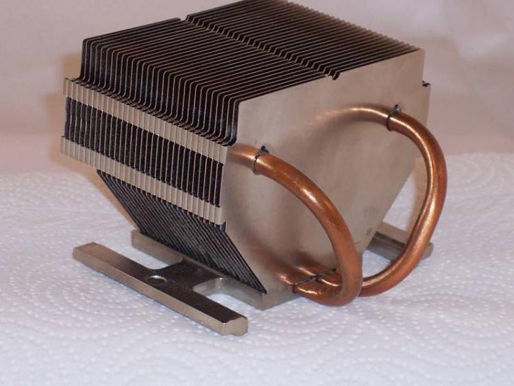 Steaming hot CPU on older model XPS Gen 2 Full size tower-heatsink.jpg