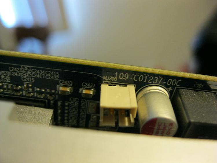 BIOS beep, PC posts, but red LED light on GPU and no monitor signal-img_0263.jpg