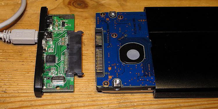 Toshiba Portable 500 Gb Hard Drive Error: Volume is dirty 0x80071AC3-encl.jpg