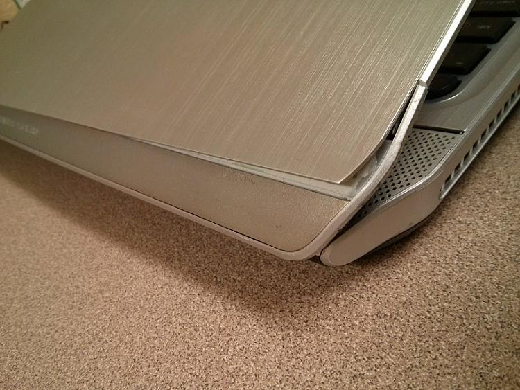 HP Pavilion m6 Stress crack on screen bezel, casing, and LCD-img_20141010_215453.jpg