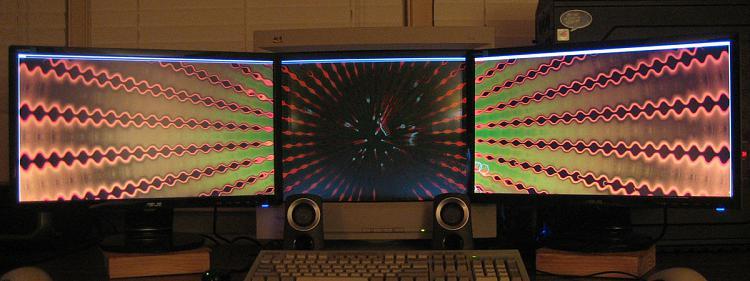 Show Us Your Rig [3]-3-monitor-setup.jpg