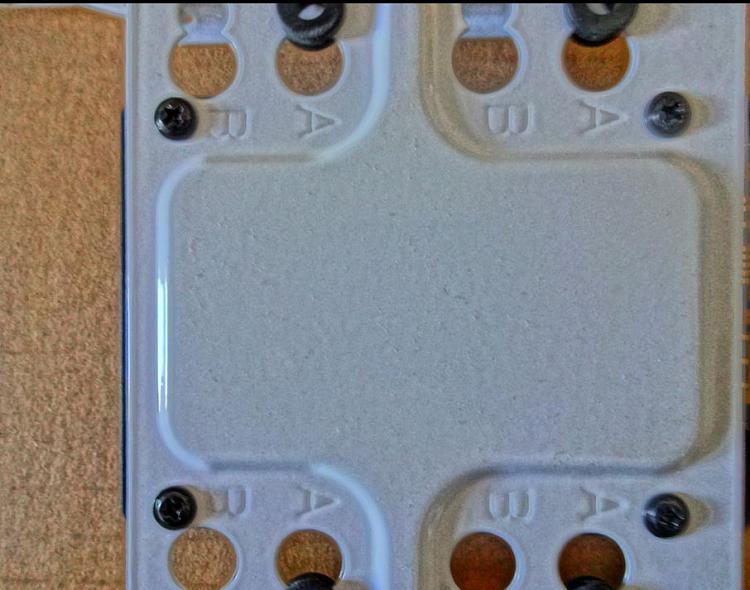 Fractal Core 2500 Computer Case-ssd-drive-1.jpg