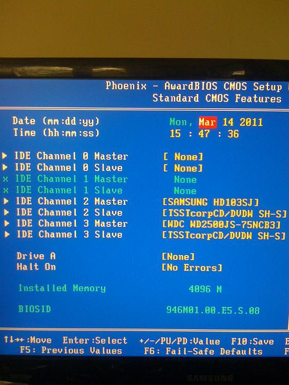 3.25GB of RAM in W7 Ultimate 64 bit-bios-standard-features.jpg