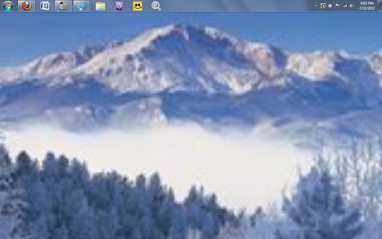 my photos don't show properly in windows 7 theme-desktop.jpg