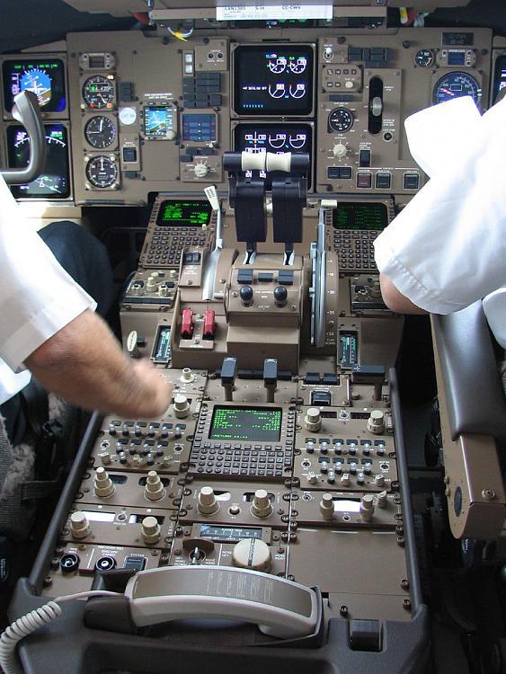 Lights - Add An On/Off Switch-boeing_767_cockpit.jpg